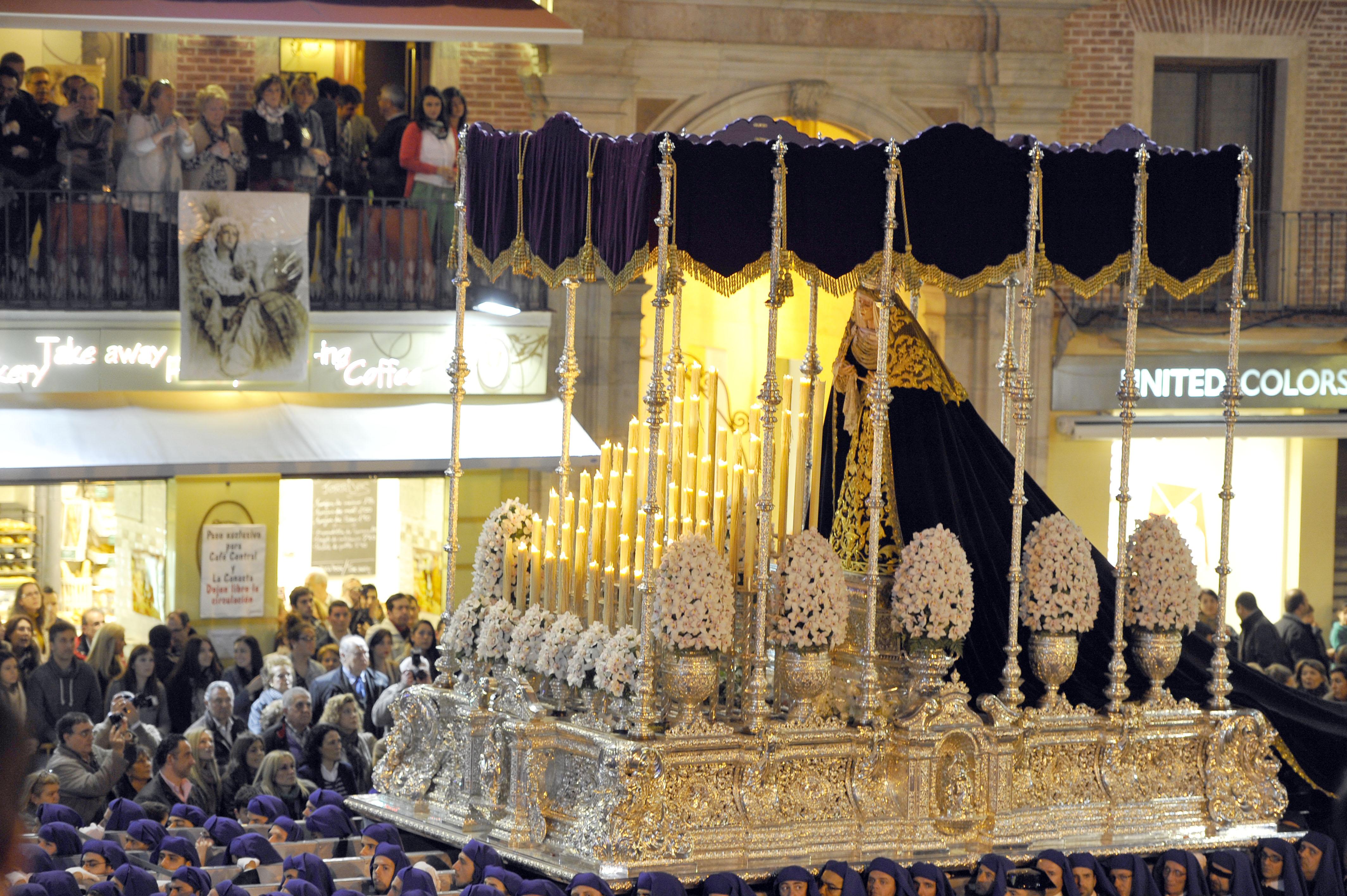 Trono Virgen Pz Constitucion